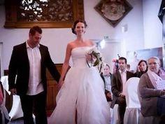Viltbloemist: Blijvend Bijzondere Bruidsbloemen van vilt Felt Flowers, One Shoulder Wedding Dress, Wedding Day, Wedding Dresses, Fashion, Felted Flowers, Pi Day Wedding, Bride Dresses, Moda