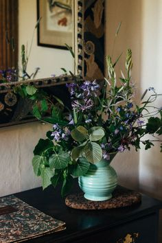"""""""[Inside Monk's House, East Sussex. Cut Flowers, Fresh Flowers, Beautiful Flowers, Pina Colada Song, Bloomsbury Group, Vintage Farm, National Trust, East Sussex, Decoration Table"""