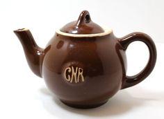 Vintage Canadian National Railroad CNR Teapot Brown With CNR Logo | eBay Teapot, Vintage Items, Logo, Store, Brown, Silver, Ebay, Tea Pot, Logos