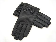 Hey, I found this really awesome Etsy listing at http://www.etsy.com/listing/158754002/real-leather-gloves-black-genuine