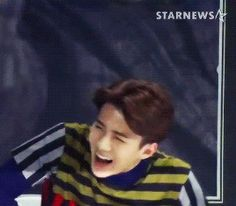 i just LOVE to see him laugh. it's the only moment when he actually looks like he is the maknae.