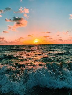 Ocean Wallpaper, Summer Wallpaper, Wallpaper Backgrounds, Beach Aesthetic, Travel Aesthetic, Photo Wall Collage, Picture Wall, Beach Pictures, Pretty Pictures