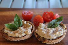 Padlizsán pástétom télire - 10 perc alatt :) Cheesecake, Muffin, Vegan, Breakfast, Desserts, Recipes, Salads, Butter, Food