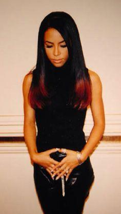 "( 2014 & 2015 † IN MEMORY OF ) - † ♪♫♪♪ AALIHAH (Aaliyah Dana Haughton) Tuesday, January 16, 1979 - 5' 7½"" - Brooklyn, New York City, New York, USA. Died: Saturday, August 25, 2001 (aged of 22) - Marsh Harbour, Abaco Island, Bahamas."