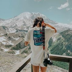 on ig and vsco Patchwork Jeans, Gossip Girl Serie, Granola Girl, Camping Outfits, Travel Aesthetic, Adventure Is Out There, Mode Inspiration, Fashion Inspiration, The Great Outdoors