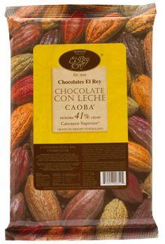 CAOBA® con 41% de cacao, es un Chocolate con Leche 100% Natural. Las cualidades aromáticas y de sabor de este grano, junto a la incorporación de otras materias primas de alta calidad, más un proceso industrial cuidadoso, dan origen a este chocolate con leche, sedoso y bien balanceado.
