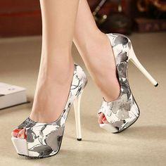 Shoespie Flower Print Peep-toe Platform Heels From the Plus Size Fashion Community at www.VintageandCurvy.com