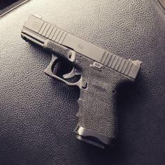 Glock 19 w/grip stippling + trigger guard undercut + front slide serrations + Salient Arms International Mag Guide Tactical Life, Tactical Gear, Glock Stippling, Salient Arms, Work Tools, Cool Toys, Firearms, Hand Guns, Decir No
