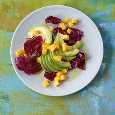 Fruchtiger Avocadosalat Mit raddicchio und Mango