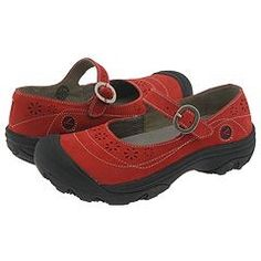 my favorite ugly therapist shoes in red! Comfy Shoes, Cute Shoes, Comfortable Shoes, Me Too Shoes, Keen Shoes Women, Versace, Orthopedic Shoes, Shoe Boots, Shoe Bag