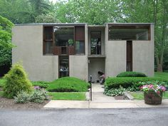 Esherick House in Philadelphia, Pennsylvania by Louis Kahn Facade Architecture, School Architecture, Residential Architecture, Amazing Architecture, Classical Architecture, Louis Kahn, Esherick House, Kahn Design, Villa