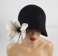 Throwing this on my wishlist. GORGEOUS! 1920s Hat Felted Hat Cloche Hat Flapper Hat black hat by filcant