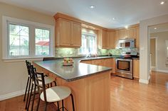Bright and sunny open concept Kitchen | 2286 Carol Road, Oakville