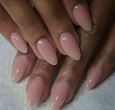 Want some ideas for wedding nail polish designs? This article is a collection of our favorite nail polish designs for your special day. Acrylic Nails Natural, Almond Acrylic Nails, Best Acrylic Nails, Natural Nails, Cute Almond Nails, Short Almond Nails, Almond Shape Nails, Natural Nail Shapes, Light Pink Acrylic Nails