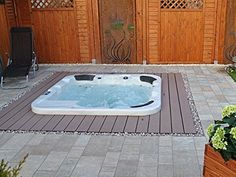 Outdoor Jacuzzi Hot Tub Venice with 40 Massage Nozzles   Heater   Ozone Disinfection   Underwater Light for 5 - 6 Persons for Outdoor