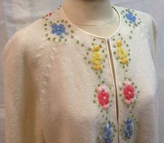 Vintage Cardigan Sweater Ivory w/ Embroidered Flowers Pink Blue Yellow 1960s #CynLes #Cardigan