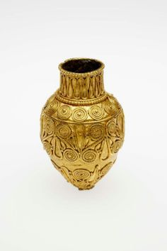 Pendant in the form of a bottle (unguentarium) , Greek, Classical Period, 400–320 B.C.