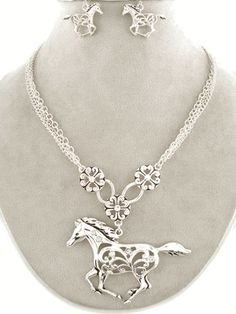 WESTERN COWGIRL JEWELRY BLING RHINESTONE HORSE NECKLACE + MATCHING EARRINGS SET