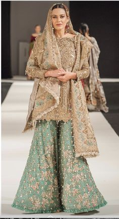 Dress is not only about style and design, but its about reflection person attractiveness. Here, you will see huge Pakistani Engagement Dresses Pakistani Engagement Dresses, Pakistani Formal Dresses, Pakistani Wedding Outfits, Pakistani Bridal Dresses, Pakistani Wedding Dresses, Pakistani Dress Design, Bridal Outfits, Bridal Lehenga, Indian Dresses