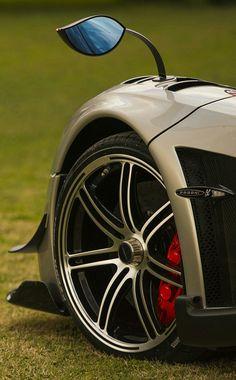 The Pagani Huayra - Super Car Center Exotic Sports Cars, Cool Sports Cars, Exotic Cars, Cool Cars, Pagani Car, Pagani Huayra Bc, Super Sport Cars, Super Cars, Convertible