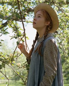 Anne of Green Gables ... I just got warm fuzzies thinking of this. I'd watch it all over.