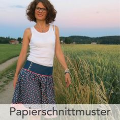 Schnittmuster Trachtenrock Lisbetta Source by trends 2016 Clothes Dye, Diy Clothes, Clothing Patterns, Sewing Patterns, Folk Fashion, Womens Fashion, Women's Fashion Dresses, Dress Outfits, Dress Skirt