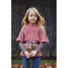 bb18a6d72032 En strikkeopskrift på en sød strikket kjole med et fint mønster ...