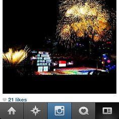 Singapore Fireworks Credits: @steveblake www.instagram.sg