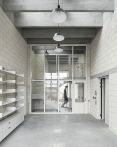 11/17  .  photography studio for Juergen Teller london / 6a architects