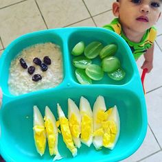 Stop taking pictures and give me my food mother! Toddler Menu, Toddler Lunches, Healthy Toddler Meals, Toddler Dinners, Toddler Food, Daycare Meals, Kids Meals, Baby Finger Foods, Baby Foods