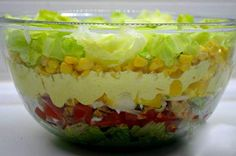 "China-layer salad- China-Schichtsalat The salad was so tasty. My husband is a big ""carnivore"", but he almost ate this salad alone. Carrot Salad Recipes, Healthy Salad Recipes, Raw Food Recipes, Cooking Recipes, Seven Layer Salad, Chinese Spices, Mozarella, Chicken Breast Fillet, Salad Topping"
