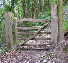 Rustic wooden gates | Rustic gate at Pont y Glyn.