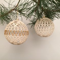 Hand crocheted baubles for your Christmas tree or gift. by Niezapominajkinet on Etsy