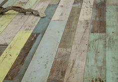 ArtNr. 36506 Altholzboden Kastanie Unikat mit bunten Lackspuren Originaloberfläche #Altholz #Parkett #Holzboden #wood #woodflooring #Dielen #Naturholzboden