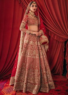 Bollywood Bridal, Pakistani Bridal Dresses, Indian Fashion Dresses, Indian Outfits, Ethenic Wear, Shadi Dresses, Bridal Lehenga Collection, Bridal Outfits, Bridal Looks