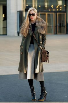 streetstyled: The length of the coat with the skirt is lovely. And those shoes… a-little-chitchat: Style crush: Joanna Hillman Winter Chic, Winter Wear, Autumn Winter Fashion, Winter Style, Boutique Fashion, Maila, Fashion Marketing, Looks Vintage, Vintage Fur