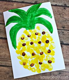 Make this adorable fingerprint pineapple craft with your kids! It's easy and cheap to make which is the perfect art project for summer!