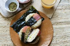 Ham and Egg Breakfast Onigiri - Syrische Linsensuppe Ham And Eggs, Breakfast Recipes, Snack Recipes, Cooking Recipes, Wine Recipes, Food Network Recipes, Rice Snacks, Just Cooking, Sushi