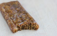 Homemade Peanut Butter Protein Bars by chocolatecoveredkatie: 5 ingredients! #Protein_Bar #Peanut_Butter