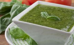 Why buy store-bought Italian-style pesto sauce when so easy to turn out our own freshly made basil pesto sauce in a blender or food processor? This recipe for Fresh Pesto Sauce is so versatile Fresh Pesto Sauce Recipe, Sauce Pesto, Homemade Pesto Sauce, Dinner Recipes Easy Quick, Easy Pasta Recipes, Sauce Recipes, Fresco, Relish Sauce, Vegetarian Recipes