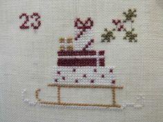 Voici venu le moment de vous présenter la dernière série des petites broderies du calendrier de l'Avent de Madame Chantilly brodé en duo...