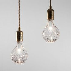 Crystal light bulbs made of cut glass by London designer Lee Broom Lee Broom, Deco Cool, Deco Luminaire, Luz Natural, Cut Glass, Glass Vase, Clear Crystal, Crystal Lights, Pendant Lights