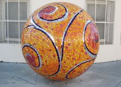Mosaic sculpture by Laurel True Mosaic Rocks, Mosaic Stepping Stones, Pebble Mosaic, Mosaic Art, Mosaic Glass, Mosaic Tiles, Glass Art, Stained Glass, Mosaic Bowling Ball