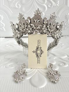 Gorgeous silver crown features beautiful clear-white crystals and radiant rhinestones in an chic design. Perfect for a wedding Silver Wedding Crowns, Wedding Tiaras, Wedding Art, Wedding Colors, Bridal Tiara, Bridal Headpieces, Bride Earrings, Crystal Crown, Tiaras And Crowns