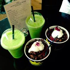 Green Juice & Acai Bowl YUM! Is there anything Lorna can't do? X