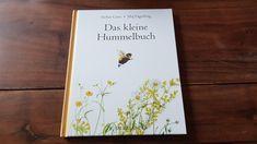 Buchtipp: Das kleine Hummelbuch - Ein zauberhaftes Buch mit zauberhaften Illustrationen und herzallerliebsten Kapiteln über Hummeln und Blumen. Ein echtes Schätzen für mein Bücherregal. Ohne die Hummeln zu vermenschlichen, werden kleine Persönlichkeiten vorgestellt, in Texten die meine Fantasie anregen und fordern.  Categories: Buchtipp, Insekten Illustration, Ber, Kraut, Books, Amigurumi, Bumble Bees, Insects, Field Guide, New Books