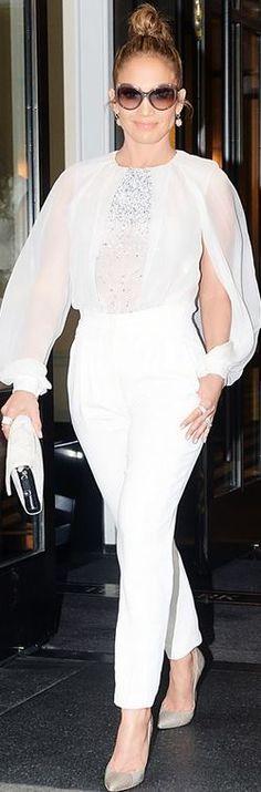 Jennifer Lopez: Shirt and pants – Zuhair Murad  Earrongs – EF Collection  Purse – Halston Heritage  Sunglasses – Salvatore Ferragamo