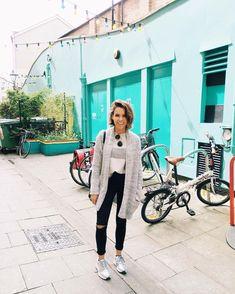 Me gustan las ciudades en donde puedes andar campante en bici ✌️.