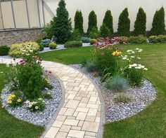 1 million+ Stunning Free Images to Use Anywhere Front Yard Garden Design, Front Garden Landscape, Garden Yard Ideas, Garden Projects, Outdoor Landscaping, Front Yard Landscaping, Back Gardens, Outdoor Gardens, Reforma Exterior