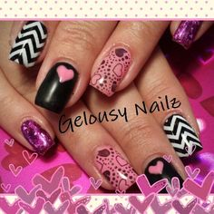 awesome nice Valentine's Day nail design......